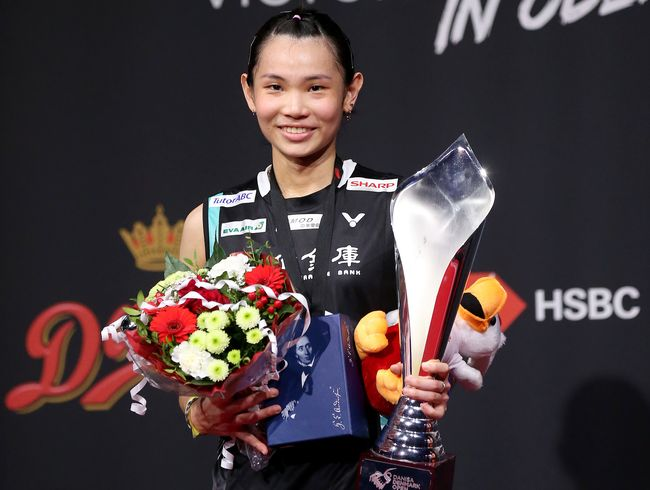 FIRST DENMARK TITLE LED TAI TO 100K POINTS CLUB