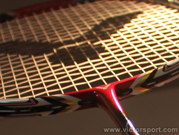 Introduction to the types of badminton string